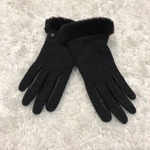 UGG Black Gloves
